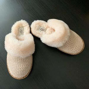 UGG Cozy Slippers**New**